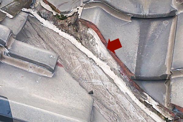 雨漏り修理時にあらゆる隙間をシーリング材で埋めてしまうと雨漏りに対して逆効果