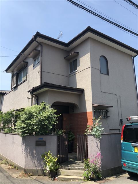 春日部市で軒天補修工事から屋根・外壁塗装のご依頼を頂きました。