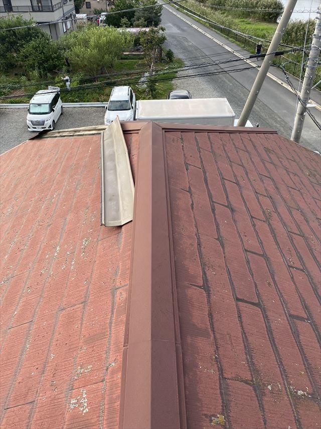 春日部市で台風15号の影響で棟板金が飛ばされたお宅に伺いました