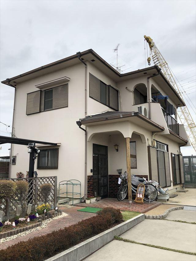 春日部市永沼で屋根カバー工法か塗装でお悩みのお客様宅の現地調査に伺いました